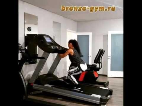 Тренировка на беговой дорожке BRONZE GYM T1000 PRO TFT