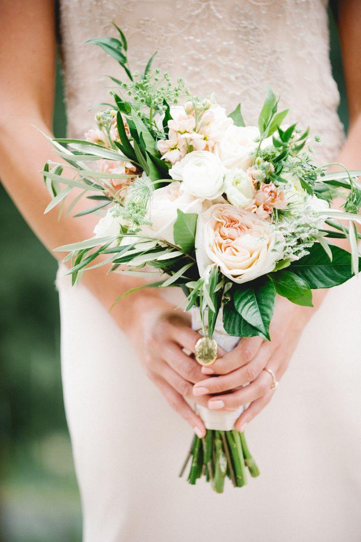Petite bouquet | Photography: Austyn Elizabeth