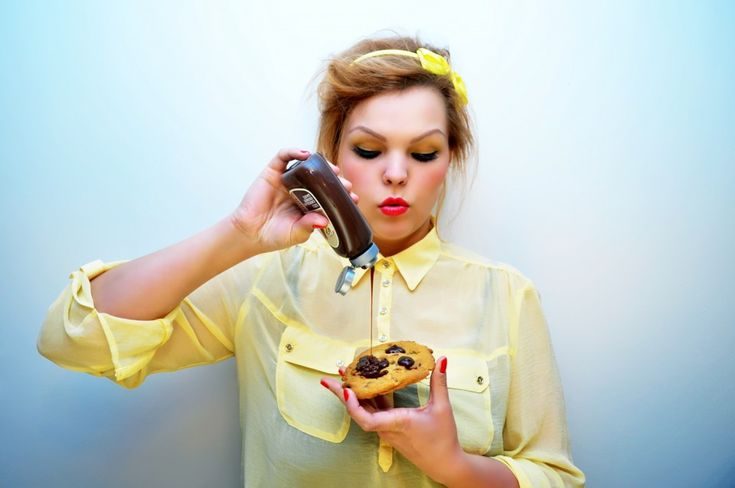 How to Break Free of Emotional Overeating ...