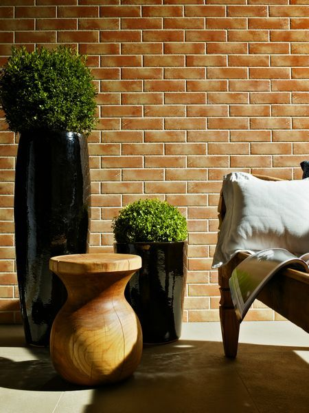 Pietre e Mattone is available in a range of colours suitable for interiors and facades. The natural brick and stone tones & the salience and movement of colours reveal unique designs.
