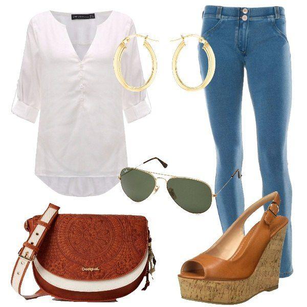 Look da giorno. composto da blusa bianca con scollo a V, jeans blu chiaro skinny abbinato ad una zeppa in finta pelle color cuoio. Per gli accessori ho scelto: borsa a tracolla bianca e marrone con ricami, orecchini a cerchio in oro e occhiali da sole con montatura dorata.