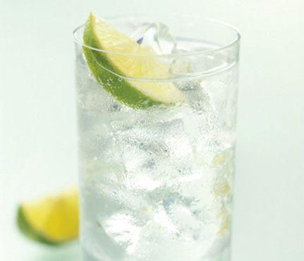 """Miranda Lambert's """"Randa-Rita"""" Bacardi Limon, Crystal Light Rasberry Lemonade and Sprite Zero. Low Cal Cocktail."""