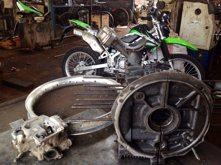 Yamaha MX135 head, Kawasaki KX 125 rear Rim, KLX 150, VW Crankshaft case