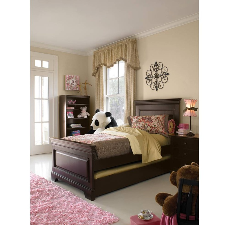 New All Seasons Louis Bed