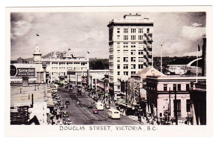 BC – VICTORIA, Douglas Street Looking North, Gowen Sutton c.1938-1950 RPPC