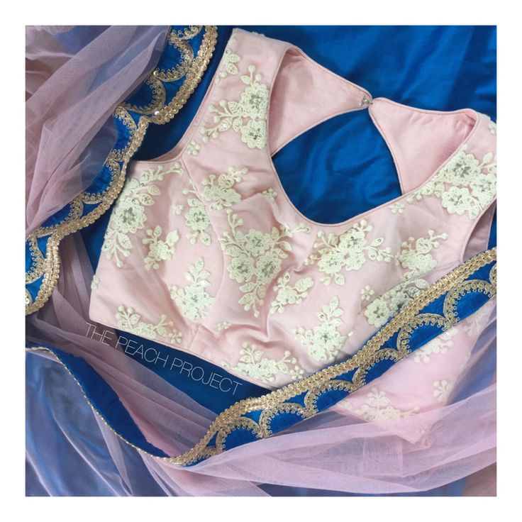The Princess Blouse X Ink Blush Dupatta To order email: ayesha@thepeachproject.in #engagementshoot #sariblouse #pastel #thepeachproject #pastelsari #daywedding #indiansummer #southasianbride #desiwedding #fusionwedding #sexyblouse #sariblouse #croptop #desibridesmaids101 #desibridesmaids #bridalparty #pastelbridesmaids #pastelsari #pastelparty #pastel #vintagechic #desifashion #lengha