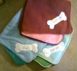 How to Make a Personalized Appliqué Fleece Dog Blanket from Condo Blues