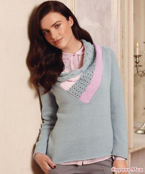 Женский пуловер спицами с оригинальной горловиной-воротом