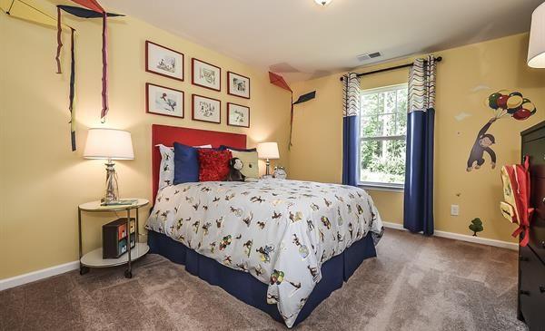 Best 25 curious george bedroom ideas on pinterest for Curious george bedroom ideas