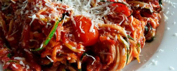 Courgetti met tomatensaus