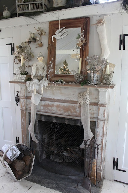 Another shabby chic holiday mantel from 52 flea - Manteles shabby chic ...