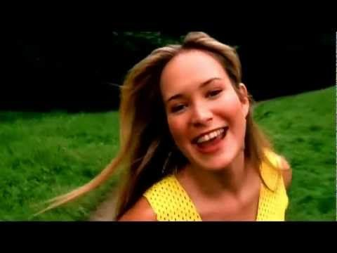 Hoku - Perfect Day - Legally Blonde soundtrack  Fun song, great movie :)