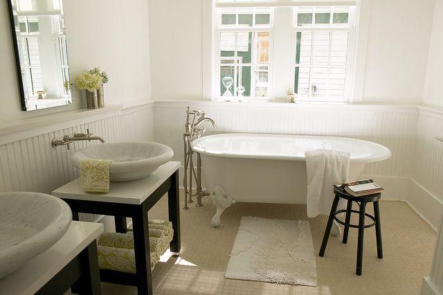 Antique bath faucet and claw foot tub Boards, Bathroom Design, Bathroom Sinks Faucets, Clawfoot Tubs, Dreams Bathroom, Beautiful Bathroom, Bathroom Remodeling, Master Bath, Bathroom Ideas