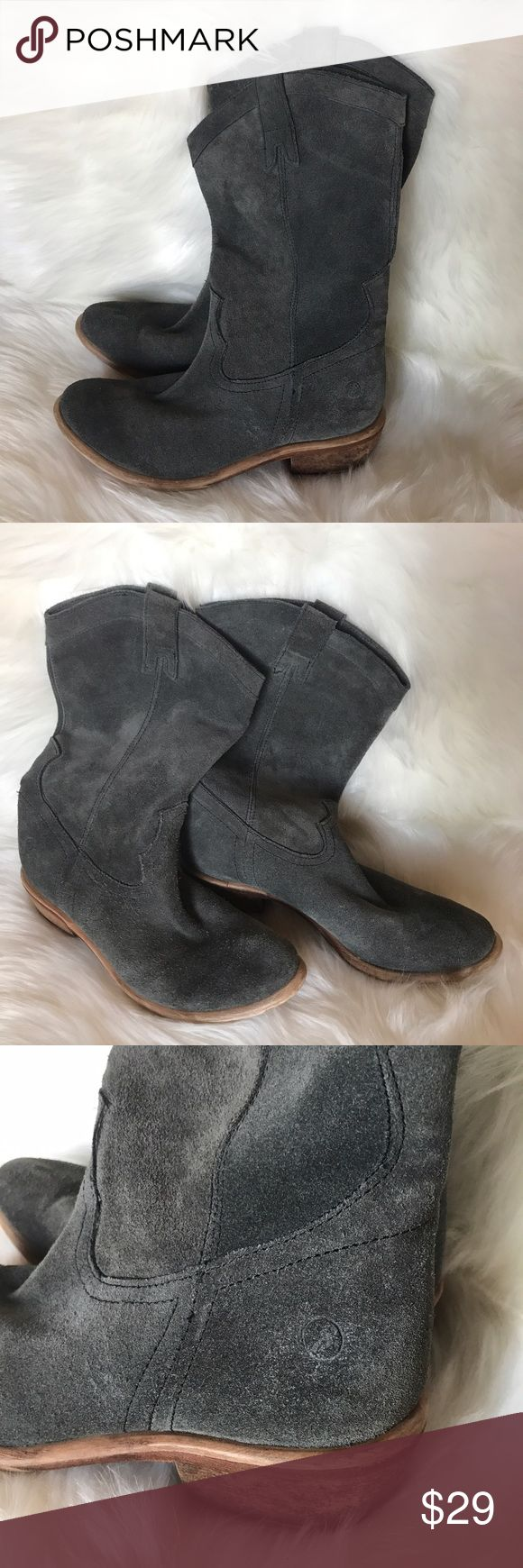 Bronx Gray Suede Western Tall Boots Rustic Country Bronx boots, style name might be Linus but I don't remember for sure. Almond shaped toe. Western style accents. Pull-on Boot strap tabs. Low light brown tan heel. These are amazing quality, super soft gray suede. Real wood heel. Bronx logo stamped on both heels. Very good preowned condition, normal signs of minimal wear. Overall height is 12.5 in included bootstraps. Rustic country style, but the gray gives it a modern twist. Bundle for a…