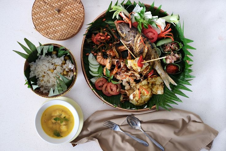Calling out all seafood lovers! Come and try this seafood basket, so delicious!