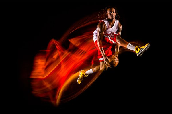 Photographer Demonstrates Use of Light, Motion and Long Exposures in Photo Series 'Trajectory'