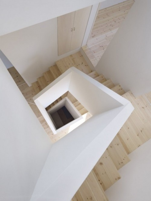 10 Beautiful StaircasesLand Design, Spirals Staircases, Architects, Stairs, Interiors, High Land, House, Architecture, Stairways