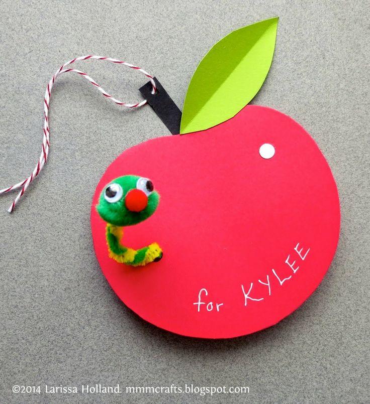 """Per fer amb la cançó """"de dintre d'una poma..."""""""