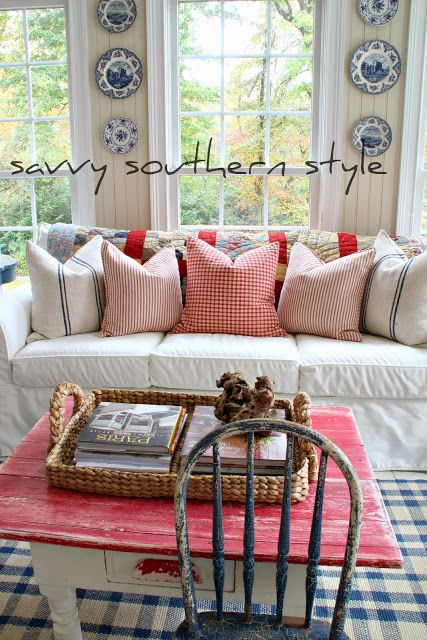 Savvy Southern Style: Mixing Patterns