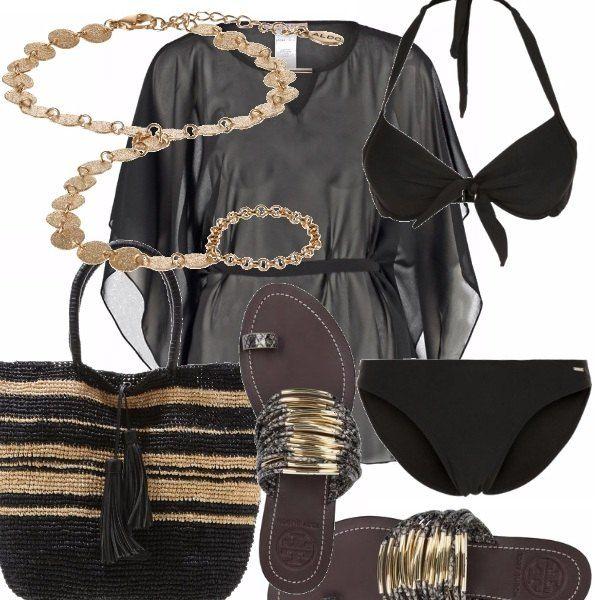 Bikini nero semplice ma con fiocchi sulla parte superiore, caftano nero, stupendo e facile da abbinare, un gioiello per risplendere sempre anche in spiaggia, infradito e borsa in nero ed oro. Portofino club we are coming!