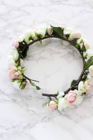 女の子の憧れ♪ バラとラナンキュラスの花冠でフラワーガール : 窪田 ...