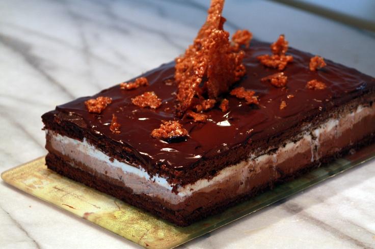 Cake with 3 chocolates