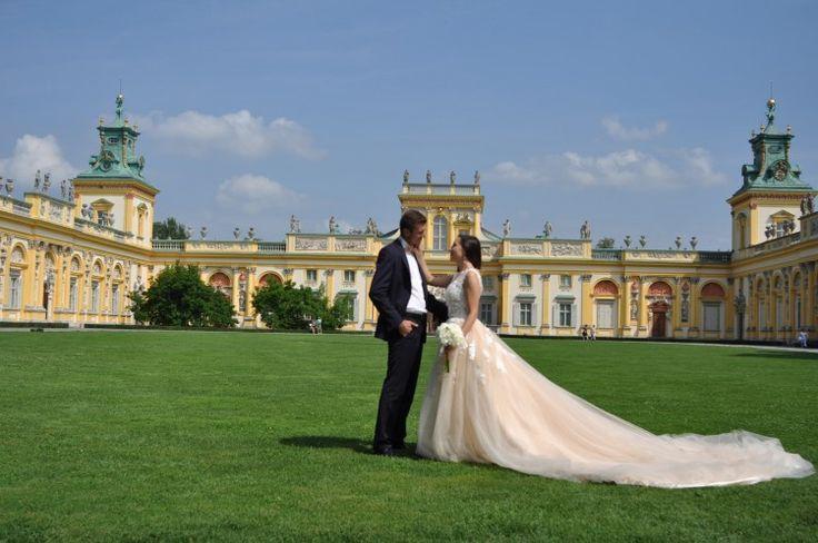 Suknie - Szczęśliwe suknie ślubne rozmiar S - 2 200,00zł