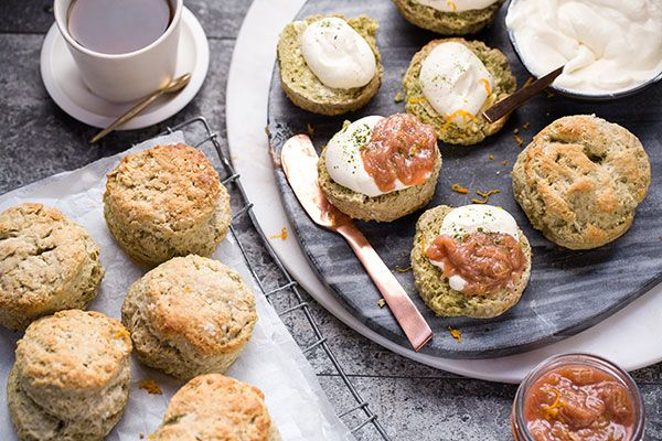 Green tea and orange scones with rhubarb compote – Recipes – Bite