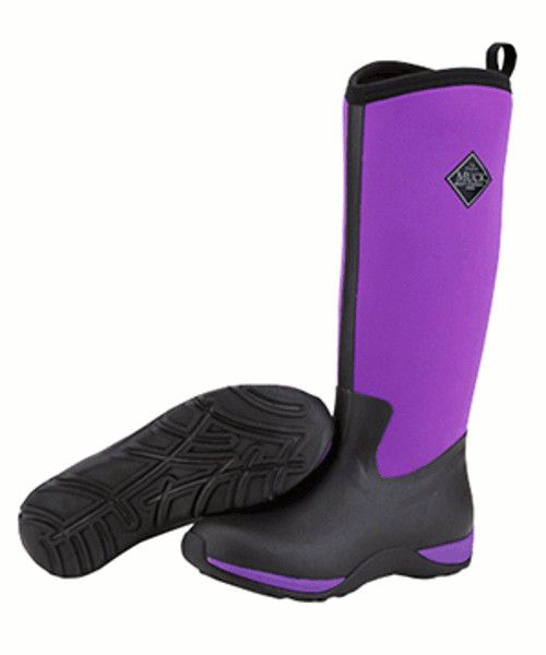 The Muck Boot Arctic Adventure in purple is a super light tall neoprene Wellington boot. The Arctic Adventure is fleece lined making it warm and very comfortable with a stretch fit top making it easy to pull on and off. This boot is perfect for walking in the wet and muddy British countryside while looking and feeling great!  These are extremely warm wellies with a comfort range of -30°C to 10°C.      100% Waterproof     Fleece Lining for extra warmth     Multi-purpose rubber sole for…