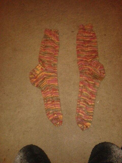 Cosy socks original pattern from lion brand