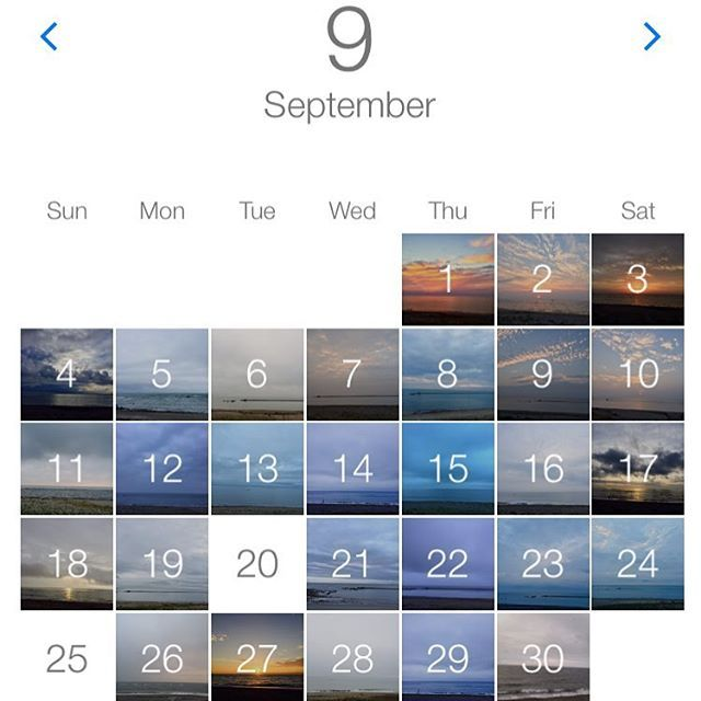【tokosatoko】さんのInstagramをピンしています。 《9月  定点観察。 毎日ほぼ同じ時間の同じ場所だけど 全然違う海と空。 今月はどんより空が多かったかな。  台風と旅行で2回お休みしました。  もうすぐ朝ウォーキング2か月。 体重−1・4kg 体脂肪率−3%  明日から10月 運動会のためウォーキングはお休み( ˊᵕˋ ) 晴れますように。  #朝ウォーキング #定点観察 #空 #海 #今日はけっこうな雨》
