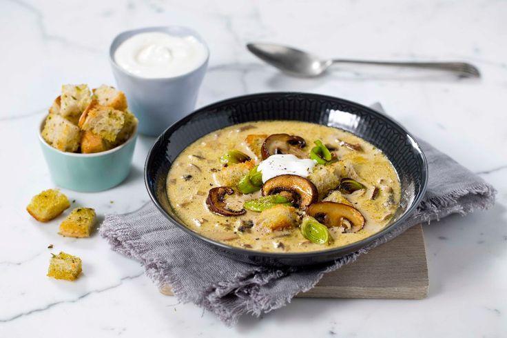 Soppsuppe smaker utrolig godt både som forrett, middagsrett og kveldsmat. Spesielt godt passer denne suppen om høsten.