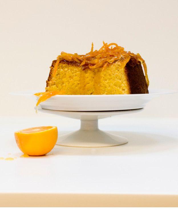 Κέικ πορτοκαλιού με φλούδες πορτοκαλιού