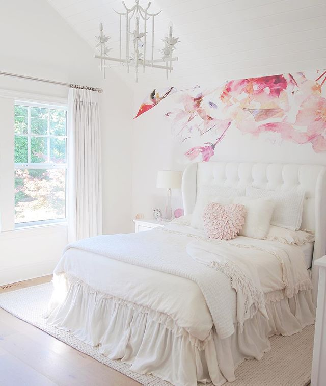 1000+ Ideas About Girls Bedroom Chandelier On Pinterest