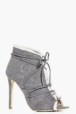 ¡Cómpralo ya!. Botines Con La Punta Abierta Y Forro De Piel De Oveja Jess. Los zapatos planos salvarán cualquier lookUnos zapatos planosde versátiles combinan comodidad y modernidad, ¡maravillosos! Da igual si eres una fan de los mocasines, una chica de zapatos Oxford o te van las plataformas planas, las palabras se nos quedan cortas para describir un zapato que te llevará del día a la noche con estilo. Diviértete con unos hi-tops: combínalos con unos jeans estilo boyfriend y una cha...