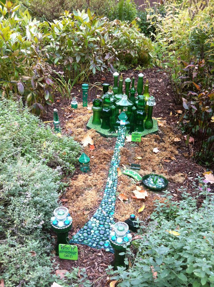Florence Griswold Museum Old Lyme CT. Emerald City Wizard of Oz Wee Fairy Village.