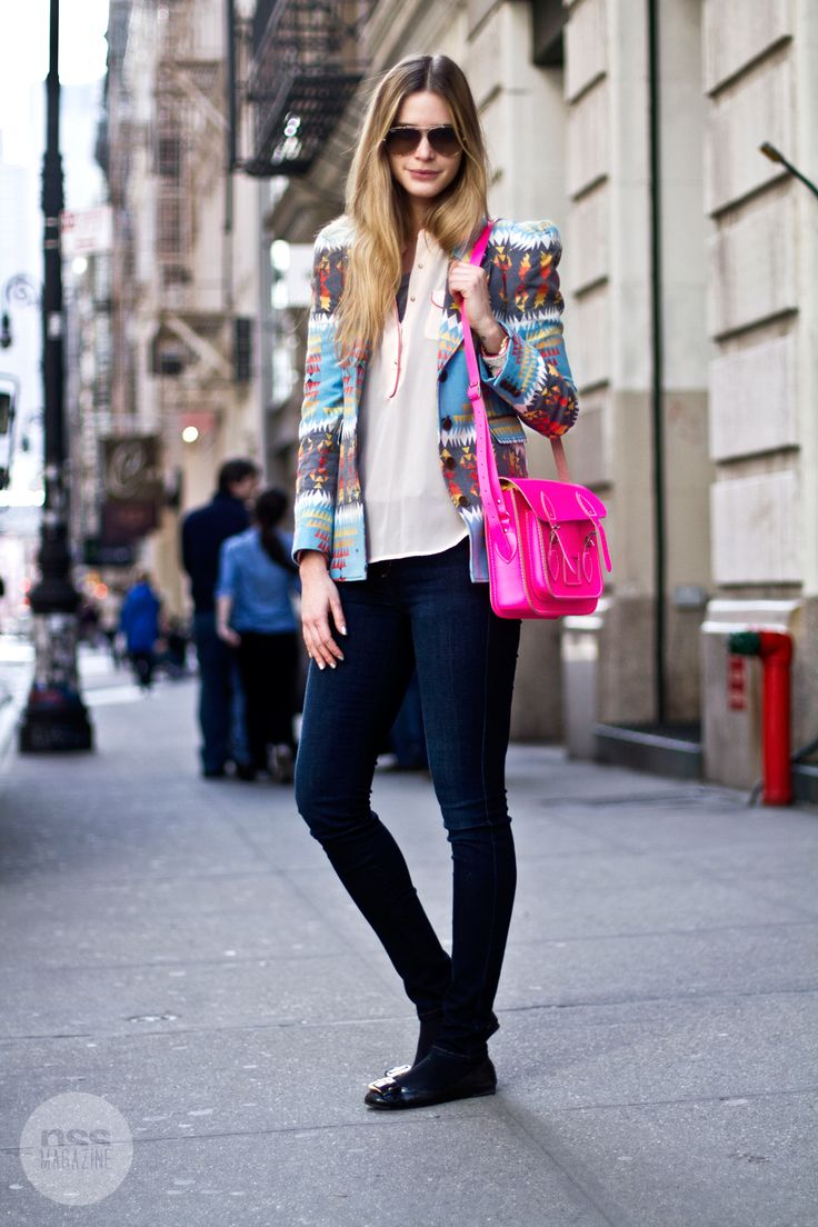 neon pink bagLight Pink Blazers, Cambridge Satchel, Colors, Street Style, Outfit, Pink Bags, Hot Pink, Neon Pink