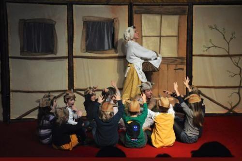 Moda: #Teatro della #Luna La Casa delle Storie: in scena 'Il lupo e i sette capretti' (link: http://ift.tt/2dwqXMx )