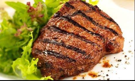 """Șocant! A tăiat carne de pe picior, a gătit-o, apoi a mâncat. """"Are gust a friptură de vită cu bere"""" - http://www.eromania.pro/socant-a-taiat-carne-de-pe-picior-a-gatit-o-apoi-a-mancat-are-gust-a-friptura-de-vita-cu-bere/?utm_source=Pinterest&utm_medium=neoagency&utm_campaign=eRomania%2Bfrom%2BeRomania"""
