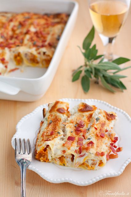 Pumpkin Cannelloni with Ricotta sauce... find the recipe on http://www.fiordifrolla.it/page/10