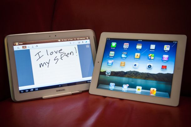 Which do you prefer? The Samsung Galaxy Note 10.1 or iPad? (Credit: James Martin/CNET)