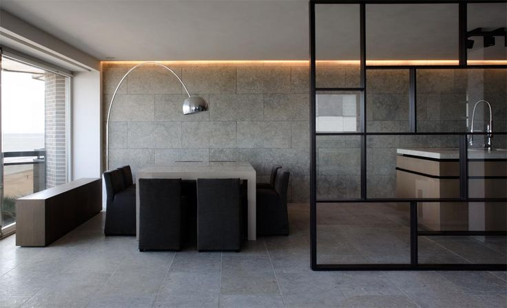 Floor en wall in natural stone Grigio Alpi by Graniet en Marmer