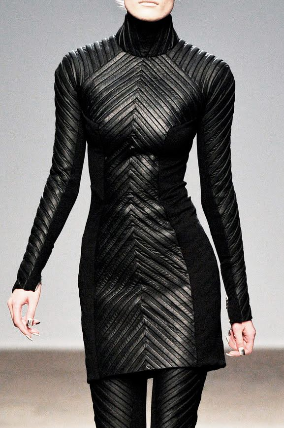 Gareth Pugh FALL 2010 // Tunic and pant style that embodies a sleek sense of power and ferocity