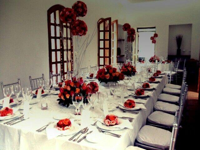 Mesa Imperial Centros de mesa Altos #bodasdeimpacto www.impactogourmet.com  #haciendalaselva