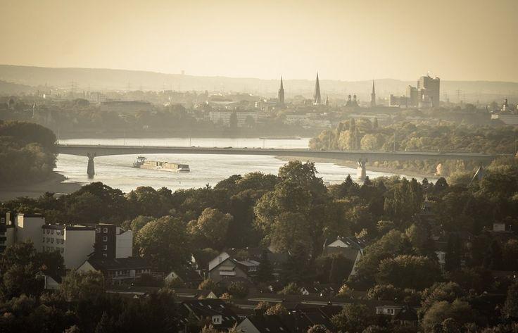 Die Knappheit von Immobilien - Bonn ist unter den populärsten Wohnorten Deutschlands. Die resultierende hohe Nachfrage nach Immobilien hat aber leider auch eine erschwerte Immobiliensuche zur Folge. www.Findimmobilien-bonn.de hilft Ihnen bei Ihrer Suche nach Immobilien in Bonn.