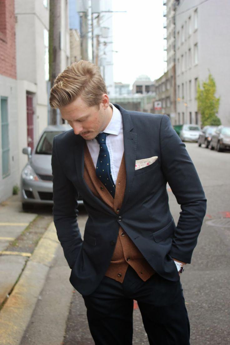 スーツ×カーディガン | No:65704 | メンズファッションスナップ フリーク - 男の着こなし術は見て学べ。