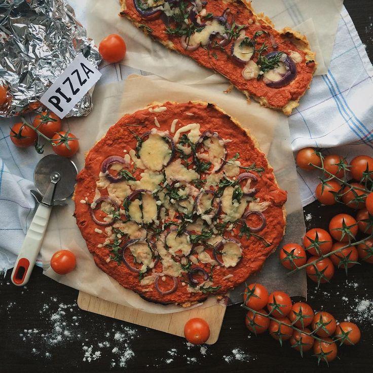 1,162 отметок «Нравится», 12 комментариев — • ПП • рецепты • ЗОЖ (@vorobey_pp) в Instagram: «На ужин у меня была вкуснейшая пицца из куриной грудки по рецепту @tomka_an и овощного салата за…»