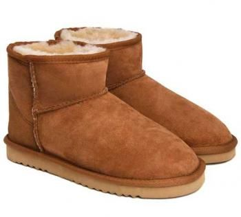 Chestnut Classic Mini UGG Boots .The Christmas promotion! Our Price : $120.00 Sale Price :$109.99 Save: 8% off