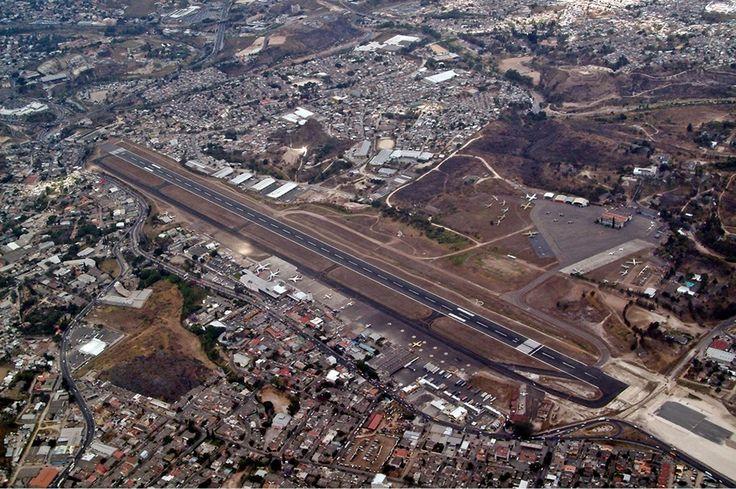 """""""Aeroporto de Toncontín"""". # Tegucigalpa, Honduras."""
