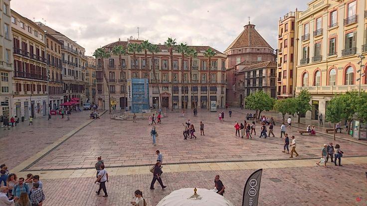 Plaza de la Constitución. Plaza de José Antonio. Plaza de la República. Plaza Mayor.  Plaza de las Cuatro Calles. MÁLAGA